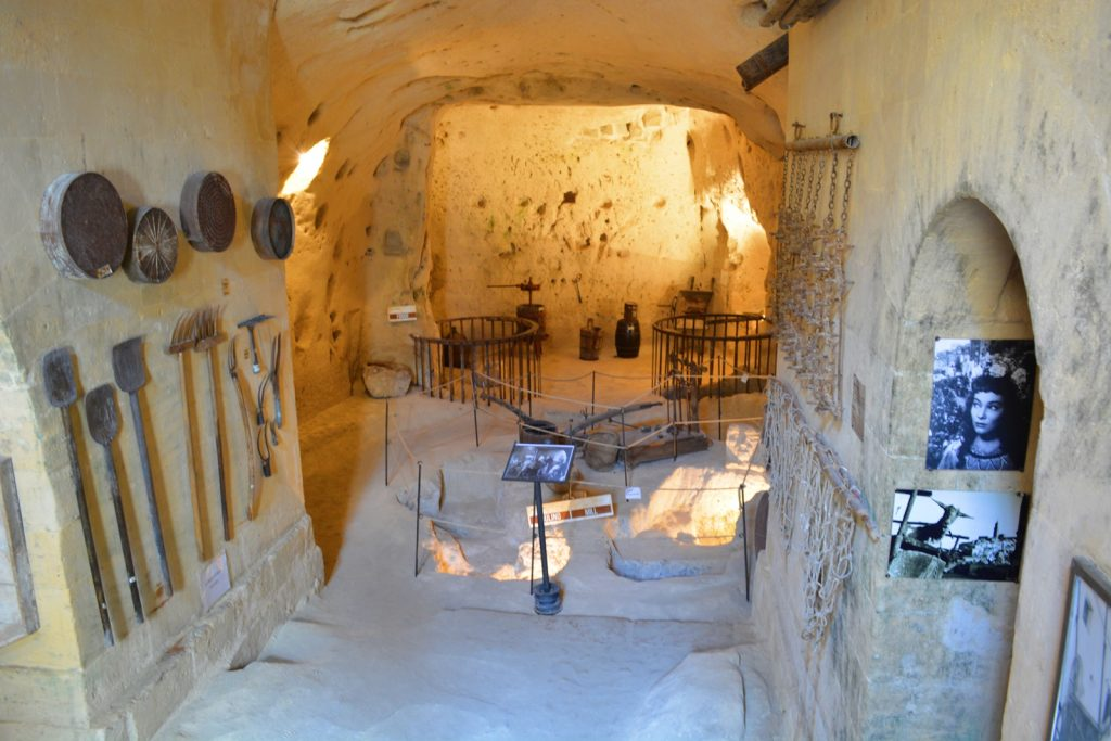 antico mulino in pietra
